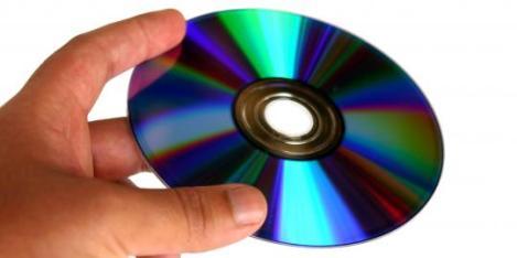 Tips Memperbaiki CD atau DVD Yang Rusak